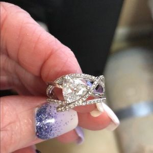 Jewelry - Size 7 Sterling Silver Cubic Zirconia Ring 💍